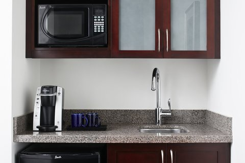 Club Quarters in Boston - One Room Suite with Kitchenette