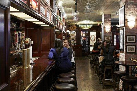 Club Quarters in Boston - Elephant And Castle Boston