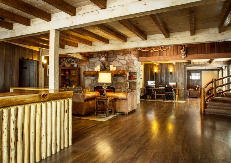 Jackson Hole Lodge In Jackson Wy 83001 Citysearch