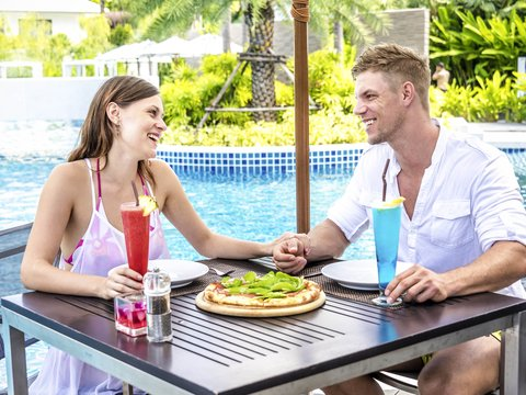 Novotel Phuket Karon Beach Resort And Spa  - Restaurant