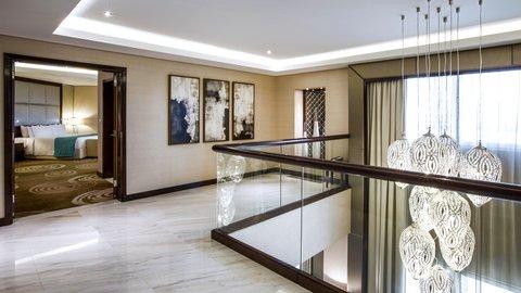 فندق كراون بلازا ديرة دبي - Royal Suite Duplex Bedroom