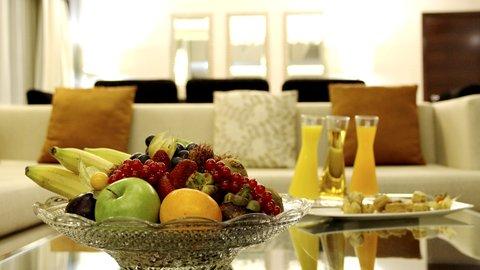 فندق كراون بلازا ديرة دبي - Royal Suite guest amenities