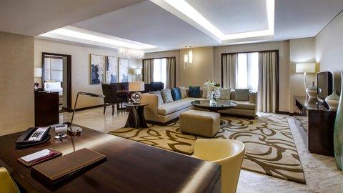 فندق كراون بلازا ديرة دبي - Presidential Suite Livingroom