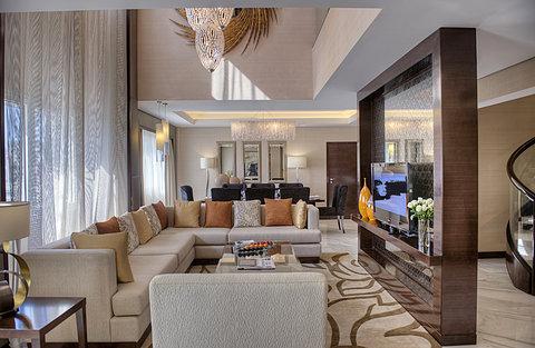 فندق كراون بلازا ديرة دبي - Royal Suite - Stay at the heart of it all