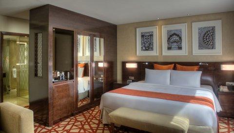 فندق كراون بلازا ديرة دبي - King Bed Guest Room