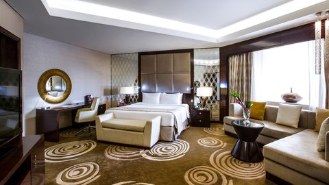 فندق كراون بلازا ديرة دبي - Royal Suite Bedroom