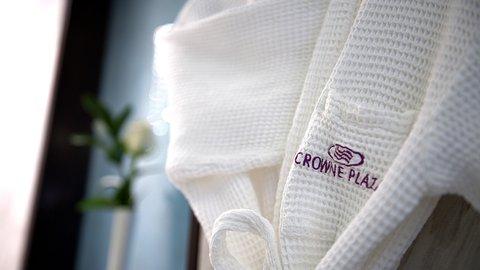 فندق كراون بلازا ديرة دبي - Inroom amenities