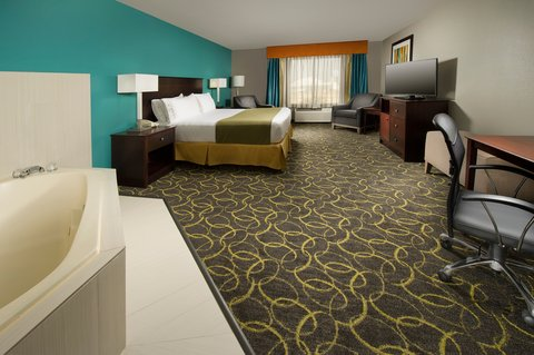 Holiday Inn Express & Suites DFW-GRAPEVINE - Suite