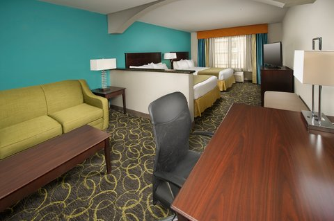 Holiday Inn Express & Suites DFW-GRAPEVINE - Guest Room