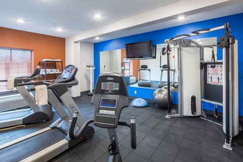 Holiday Inn Express CEDAR RAPIDS (COLLINS RD) - New Expanded Fitness Center