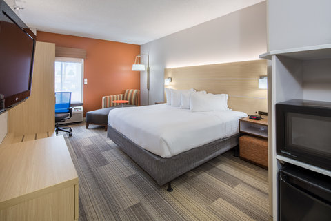 Holiday Inn Express CEDAR RAPIDS (COLLINS RD) - Deluxe King ADA Accessible with microwave  fridge and Keurig