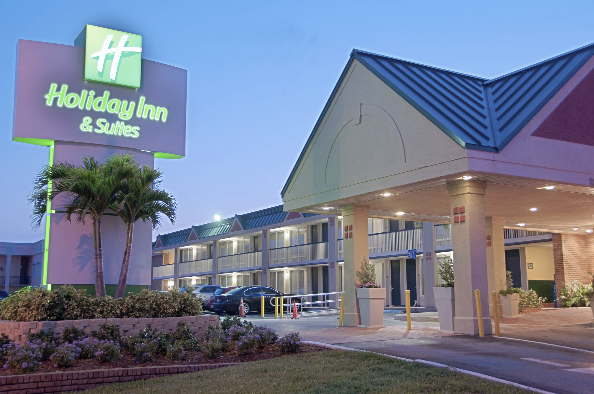 Holiday Inn Hotel & Suites Oceanside