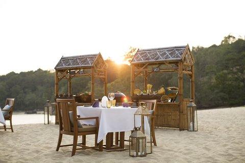 أنانتارا بوكيت ريزورت آند سبا ليان - Beach BBQ Dinner