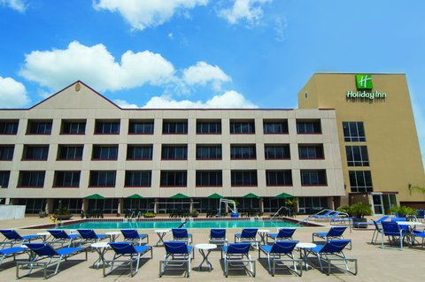 Holiday Inn GAINESVILLE-UNIVERSITY CTR - Spacious Outdoor Pool Deck