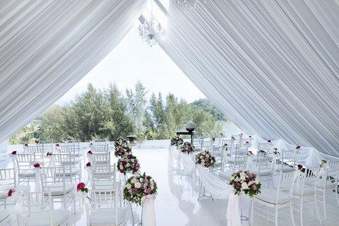 أنانتارا بوكيت ريزورت آند سبا ليان - Hillside Wedding Chapel Set-up