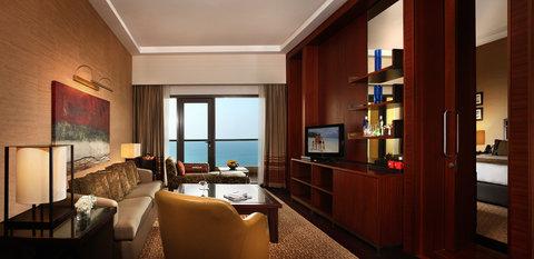 Amwaj Rotana - Amwaj Rotana Classic Sea View Suite Living Room