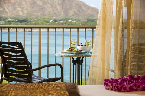 Outrigger Reef on the Beach - Outrigger Reef Waikiki Diamond Head Oceanview