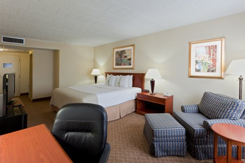 Holiday Inn FREDERICK-CONF CTR AT FSK MALL - King Bed Guest Room