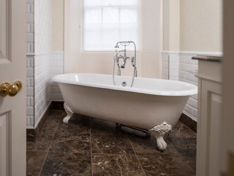 The Talbot Hotel - Feature Room Bathroom