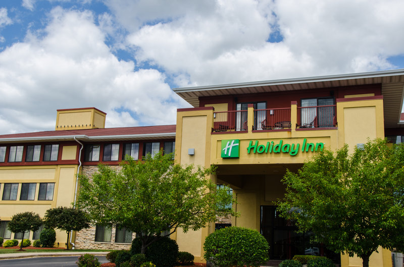 HOLIDAY INN PEWAUKEE WEST