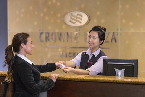 Crowne Plaza AUCKLAND - Front Desk