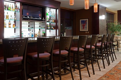 Holiday Inn Hotel & Suites GREEN BAY STADIUM - Bar and Lounge