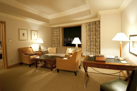 Grand Pacific LE DAIBA - CPL Corner Suite Double Living
