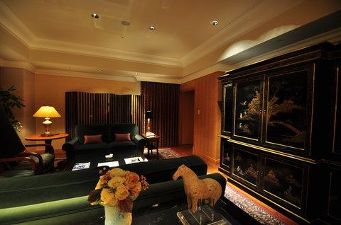 Grand Pacific LE DAIBA - Ambassador Suite  Living