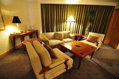 Grand Pacific LE DAIBA - Governor Suite