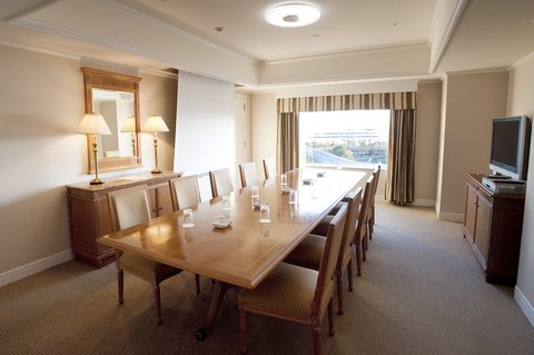 Grand Pacific LE DAIBA - Business Meeting Room
