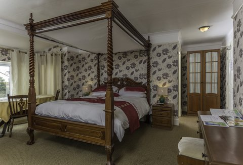 Lyme Bay House - Four Poster Bed Room