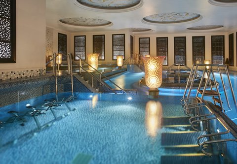 فندق كراون بلازا الكويت  - Holiday Inn Kuwait Al Thuraya City Spa Aquatonic Pool