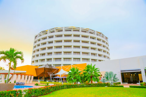 Crowne Plaza TUXPAN - Panoramic Crowne Plaza Tuxpan Hotel back view