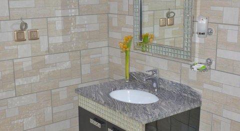 Renz Hotel - Washroom
