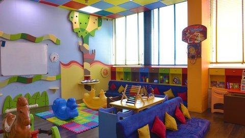 فندق كراون بلازا الكويت  - Holiday Inn Kuwait Al Thuraya City Kids Club