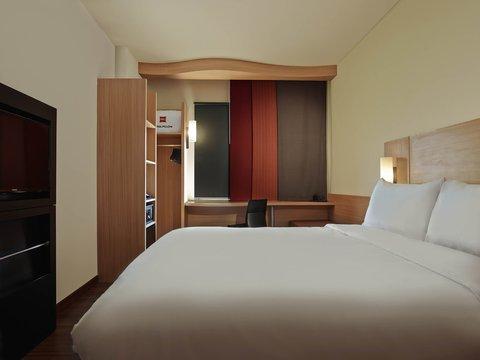 Ibis Jakarta Cawang Hotel - Guest Room