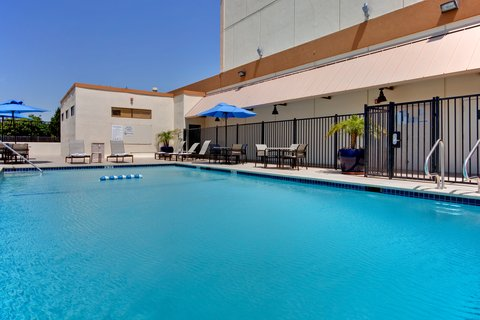 'Holiday Inn Los Angeles International Airport Hotel' - Enjoy our LA hotel pool