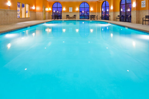 Holiday Inn Express & Suites NASHVILLE-OPRYLAND - Swimming Pool