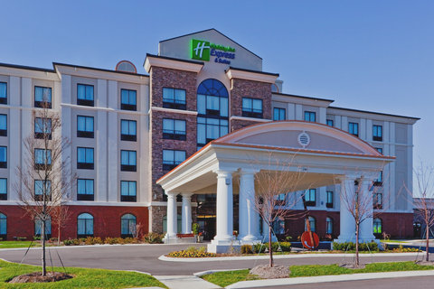 Holiday Inn Express & Suites NASHVILLE-OPRYLAND - Hotel Exterior