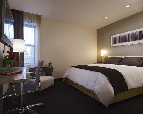 Hotel Felix Chicago - Hotel Felix Queen Room Interior