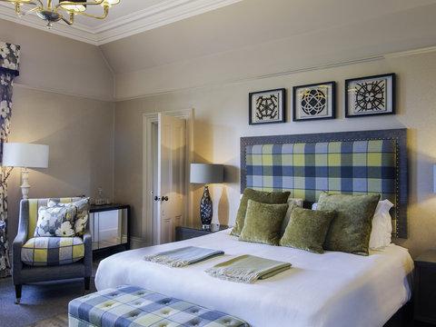 Mercure Aberdeen Ardoe House Hotel and Spa - Guest Room