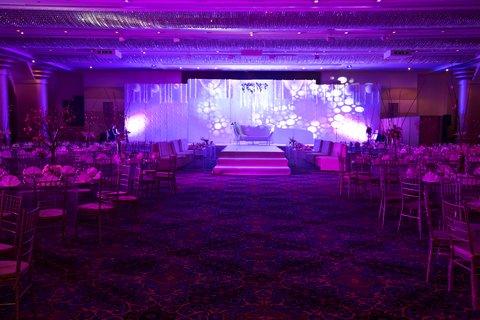 فندق كراون بلازا ديرة دبي - Al Thuraya Ballroom Wedding Setup