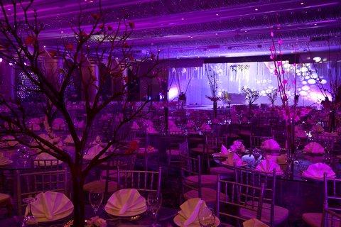 فندق كراون بلازا ديرة دبي - Al-Thuraya-Ballroom Wedding Setup