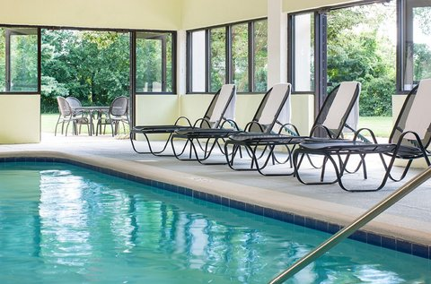 Holiday Inn HARTFORD DOWNTOWN AREA - Swimming Pool
