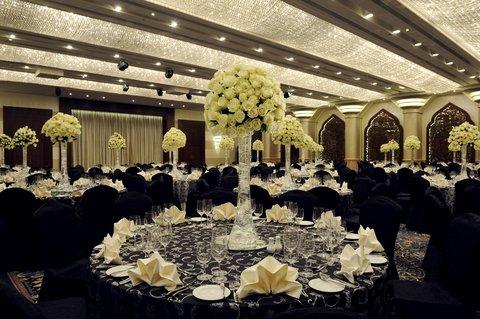 فندق كراون بلازا ديرة دبي - Place your wedding in the hands of an expert