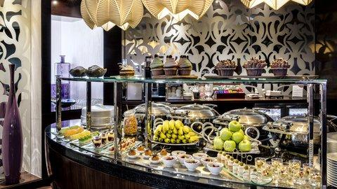 فندق كراون بلازا ديرة دبي - Club Lounge Canap  station - tea  coffee  assorted canap s snacks