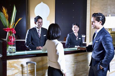 فندق كراون بلازا ديرة دبي - Front Desk - Welcome