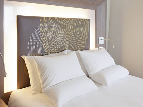 Novotel London Brentford - Guest Room