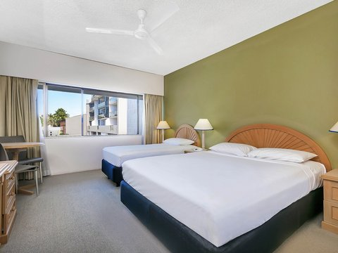 All Seasons Cairns - Guest Room