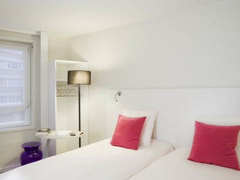 All Seasons Lille Centre Gare Beffroi - Guest Room